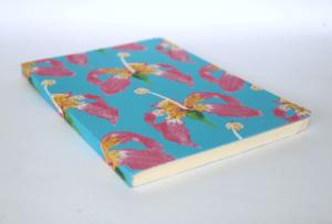 caderno de papel paina